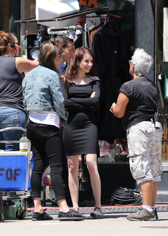 Emma Roberts – Nice Curves, Pokies