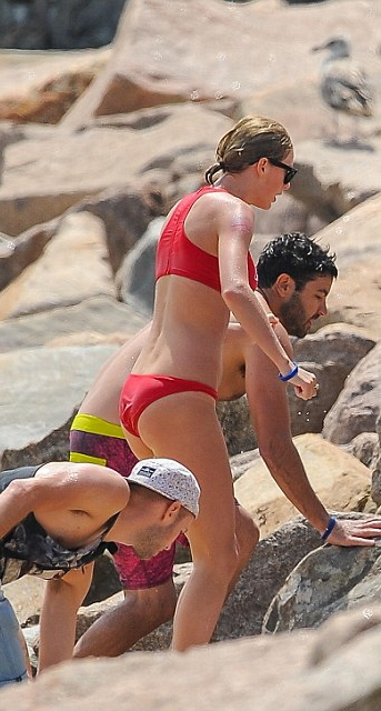 The Most Skin Taylor Swift Has Ever Shown Us. BONUS – Blake Lively Nip Slip