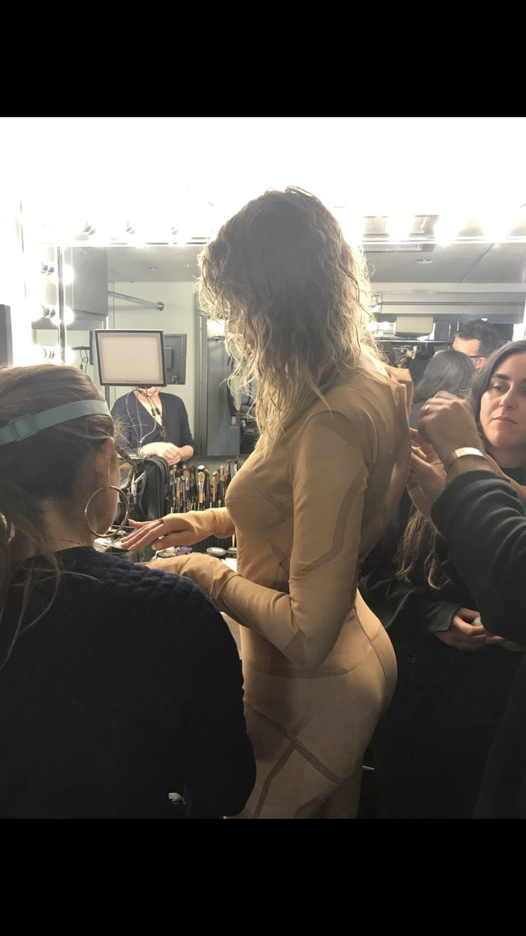 Taylor Swift Bodysuit Behind The Scenes – 3 Pics