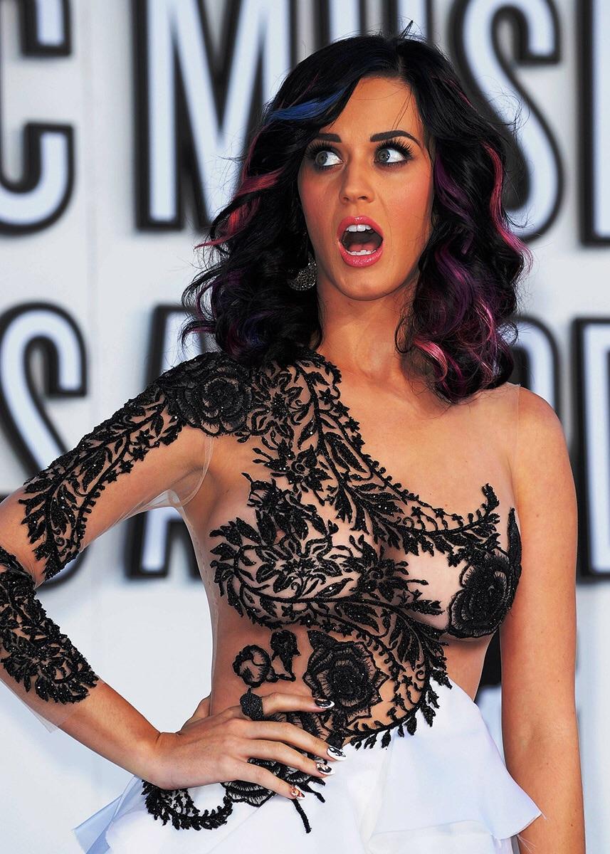 Katy Perry Nip Slip!