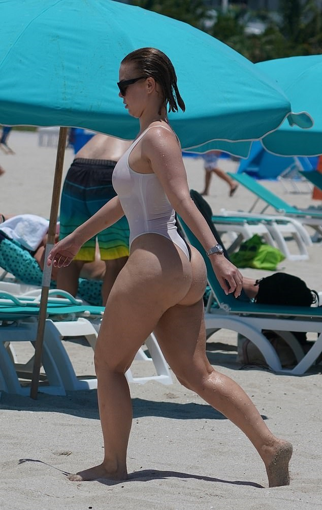 Bianca Elouise Beach Booty