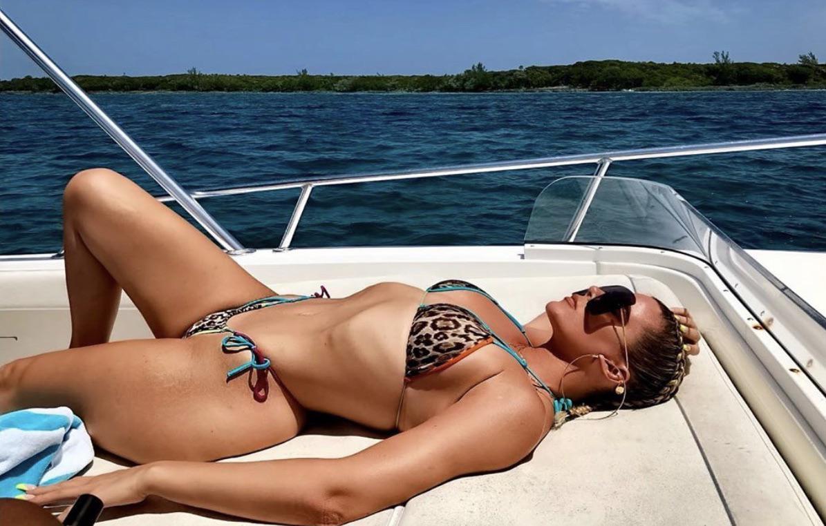Khloe Kardashian Looking Pretty Pretty Good