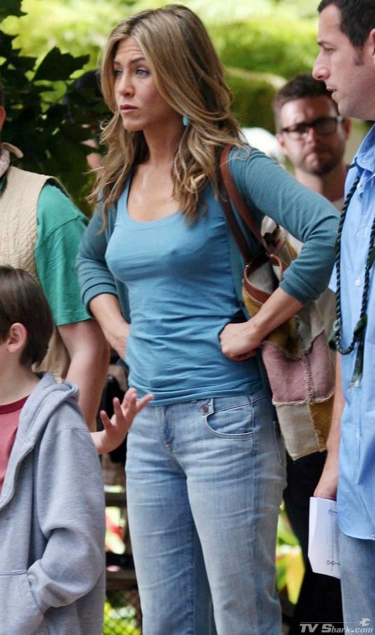 Adam Sandler Showing GREAT Restraint W/Jennifer Aniston