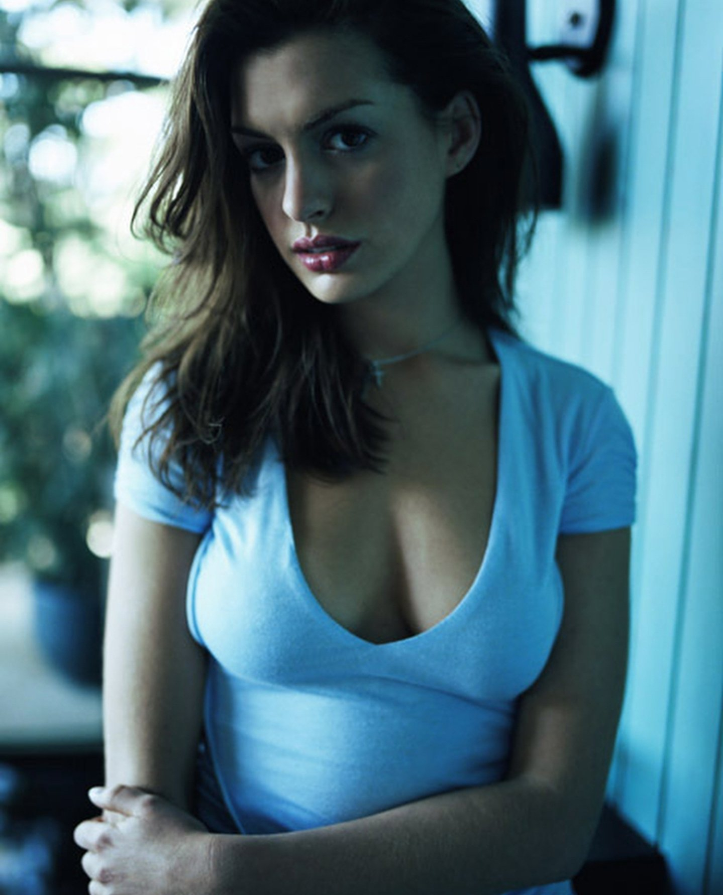 Anne Hathaway At 23.