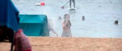 Aubrey Plaza And Anna Kendrick On The Beach