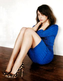 Aubrey Plaza Legs