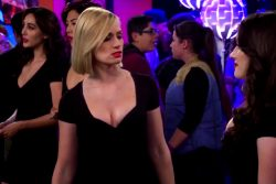Beth Behrs – 2 Broke Girls – Season 5