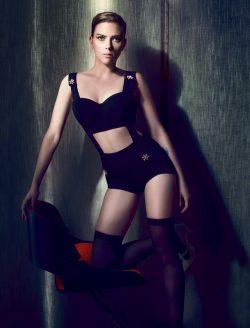 Dominatrix Scarlett Johansson