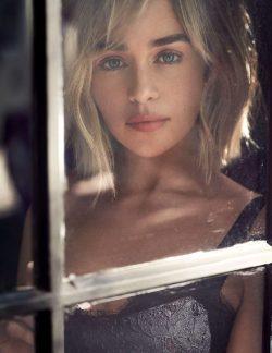 Emilia Clarke Is A Stunner