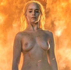 Emilia Clarke Tits