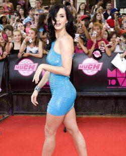 Katy Perry's Figure! 😍