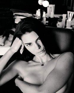 Kendall Jenner 🤫