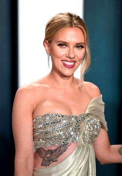 Scarlett Johansson _____