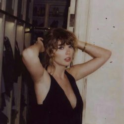 Seductive Taylor Swift 😍