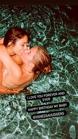 Vanessa Hudgens & Ashley Benson