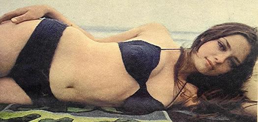 angela-cartwright-60s-bikini