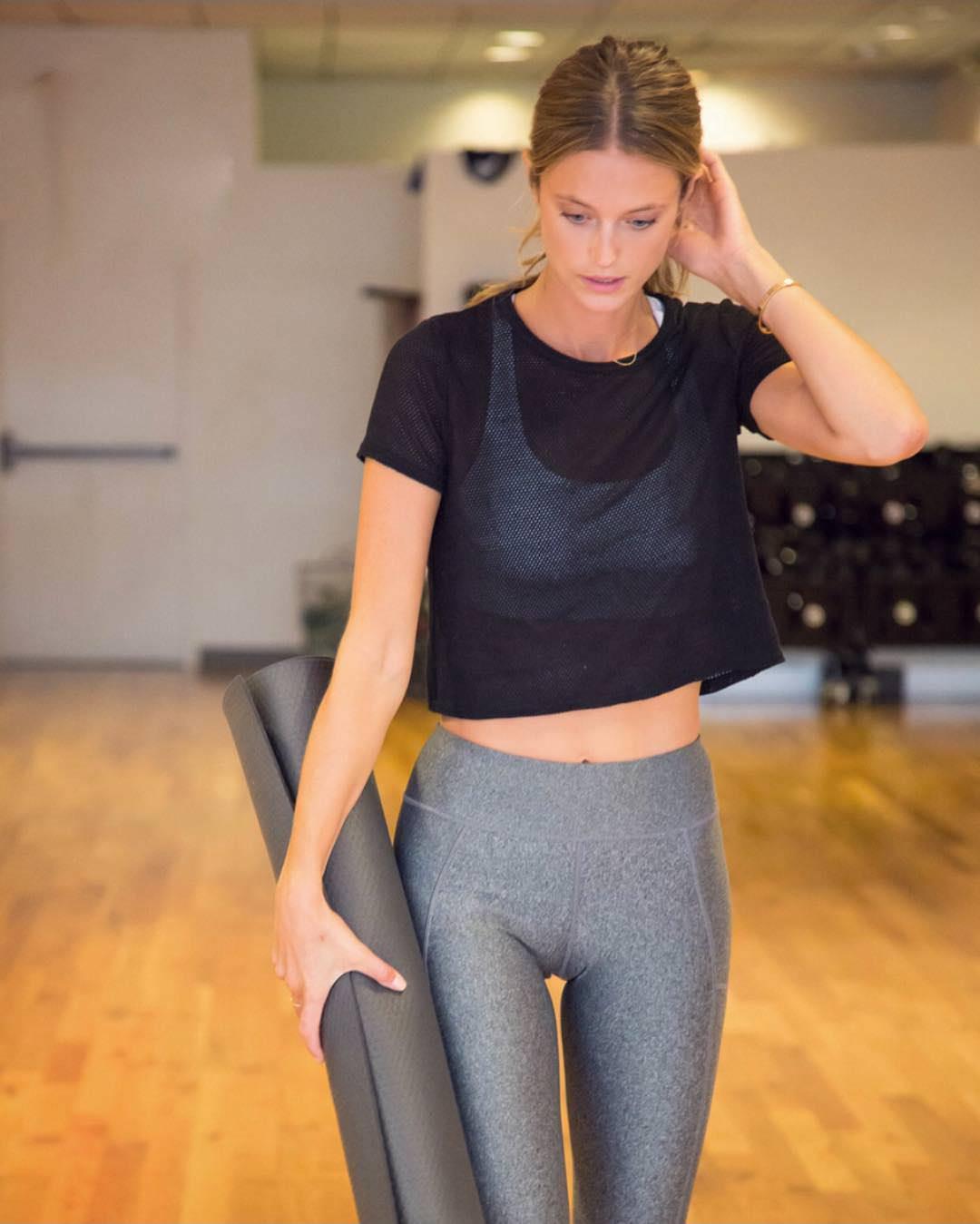 kate-bock-workout-camel-toe