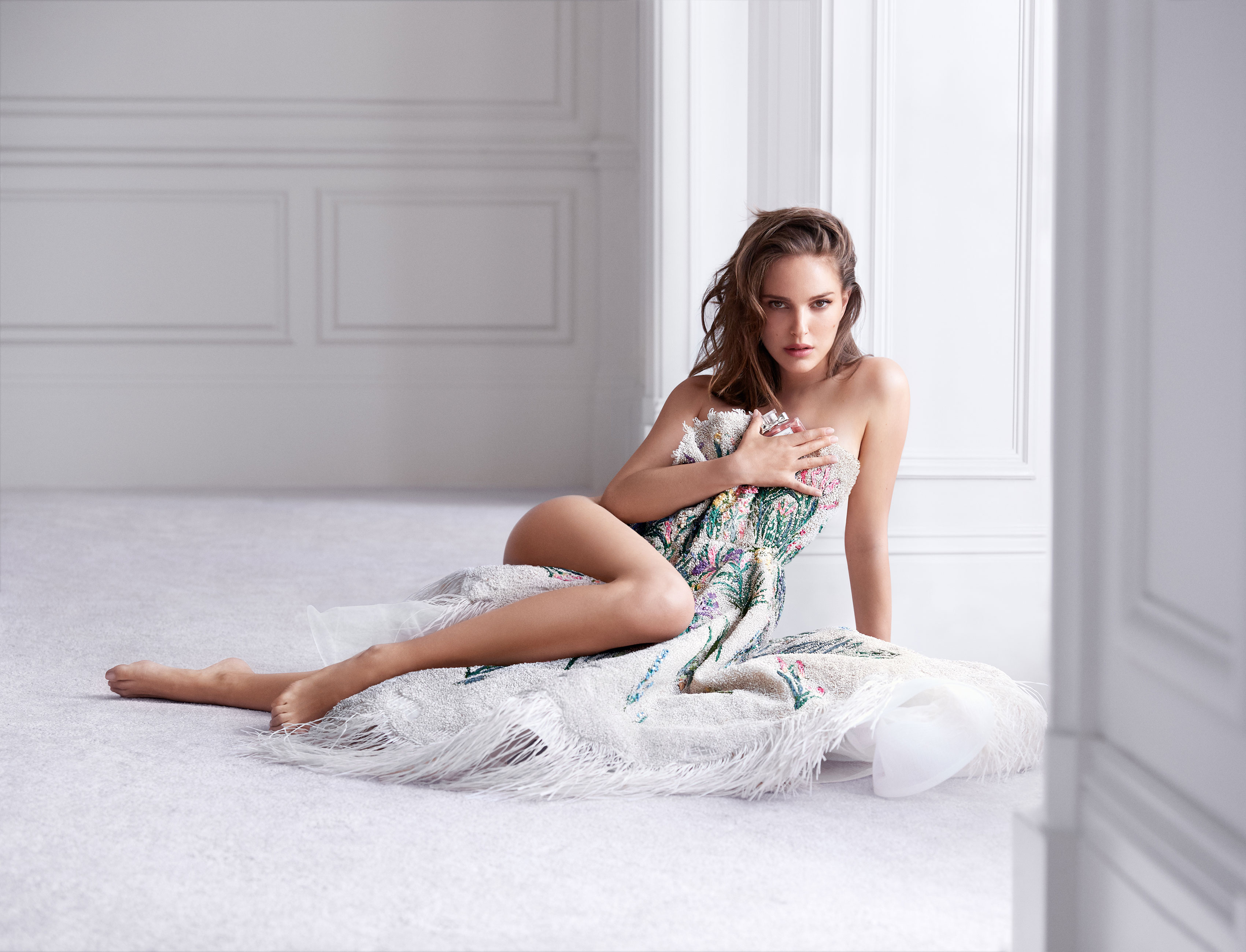 natalie-portman-is-incredibly-stunning